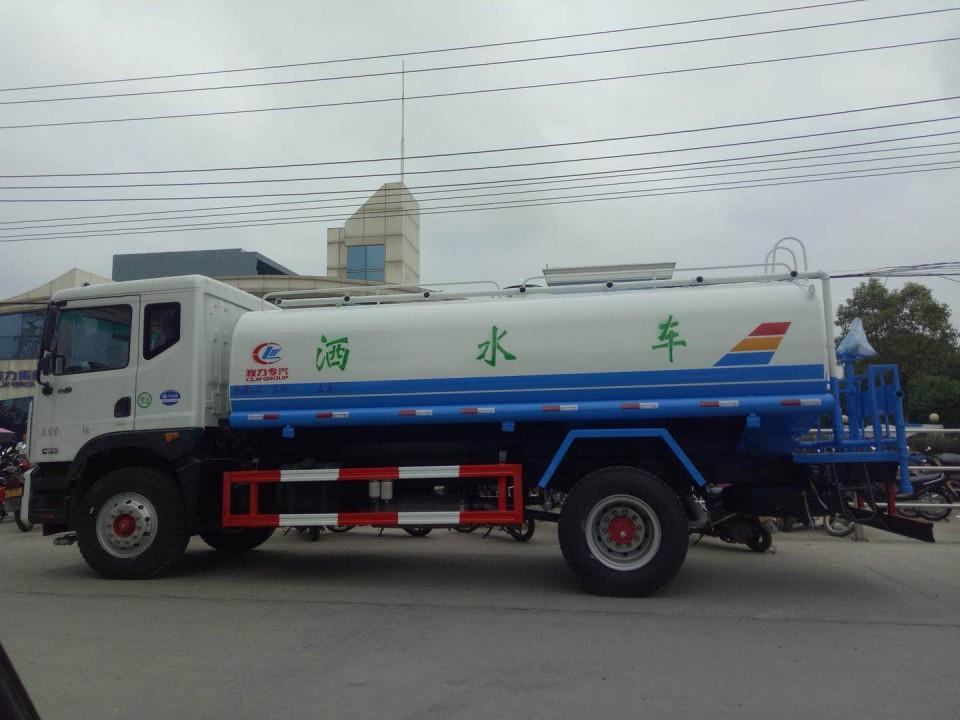 北京洒水车厂家