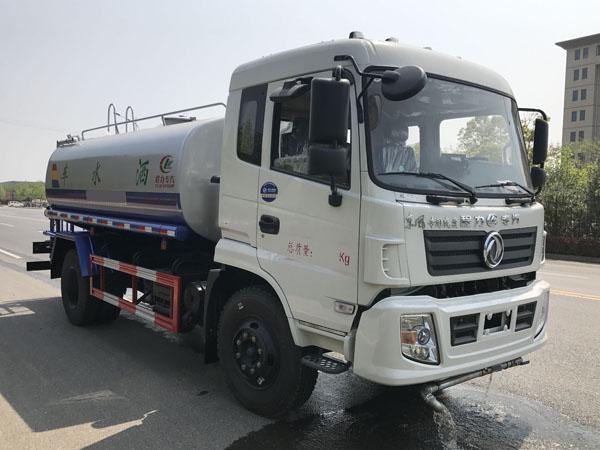 东风特商15吨洒水车