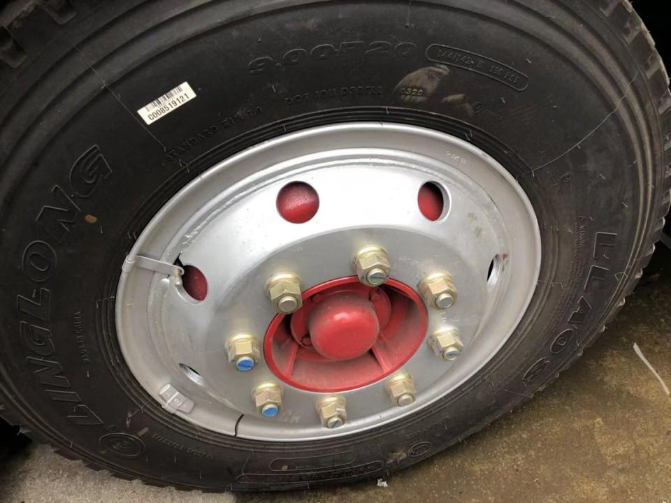 洒水车钢丝轮胎